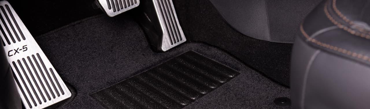 Черный автомобильные коврики с подпятником